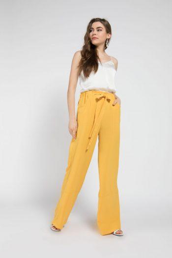 naki-mascara-sarı-pantolon-hijap